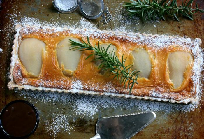 Pear and almond praline tart with chocolate ganache