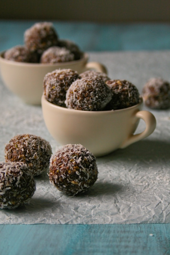 Easy date balls with video.