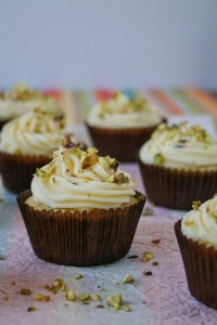 Easy lemon cupcakes with pistachios.