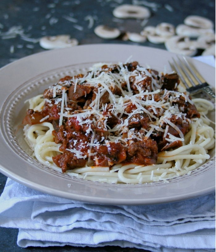 Spaghetti bolognese with mushrooms and parmesan