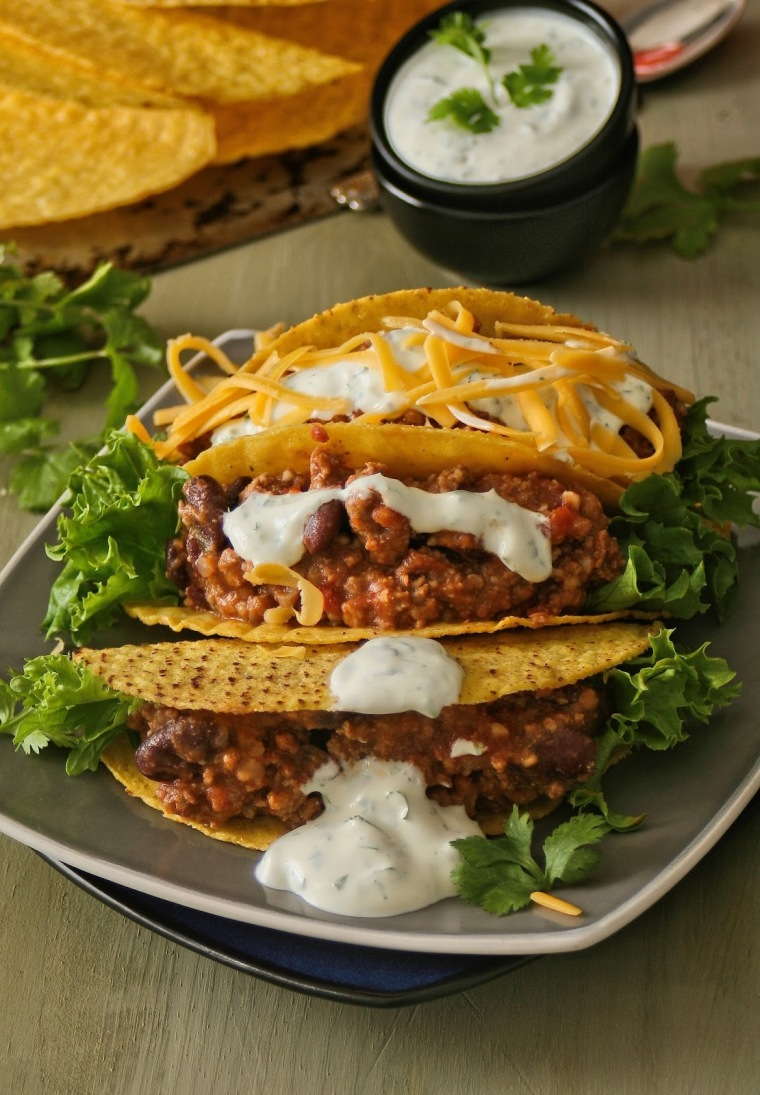 Tacos with mince and cheese.