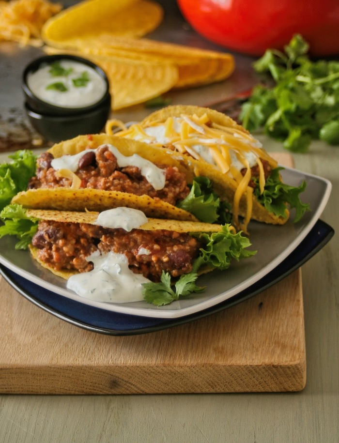 Tacos with chilli con carne filling.