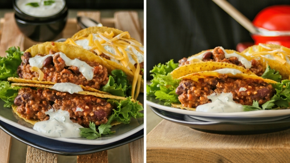 Tacos with chilli con carne and sour cream.