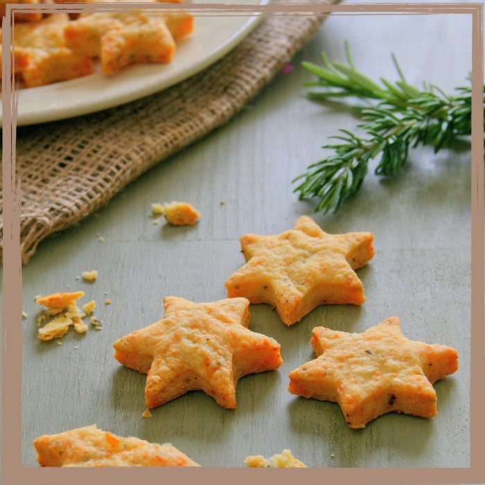 Cheese and rosemary stars.