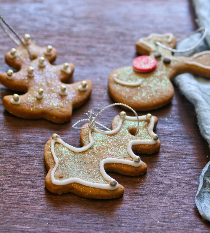 Christmas cookies that you can hang on the tree.