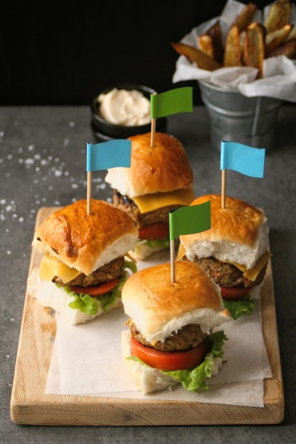 Beef sliders for kids with sweet potato wedges.