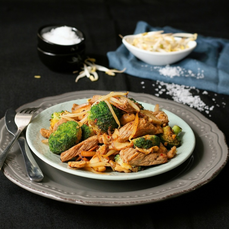 Low carb beef and vegetable stir fry