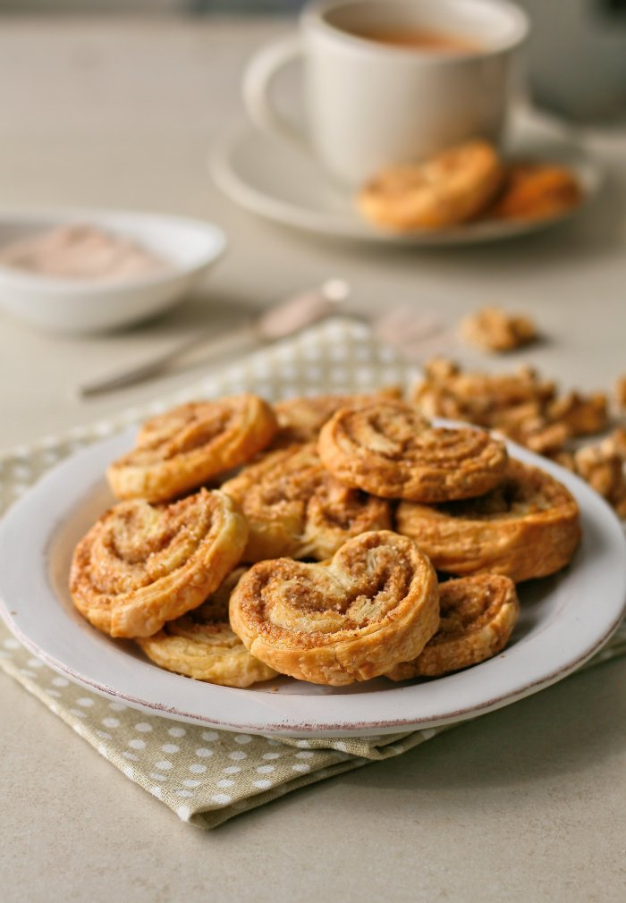 Easy palmiers with walnuts