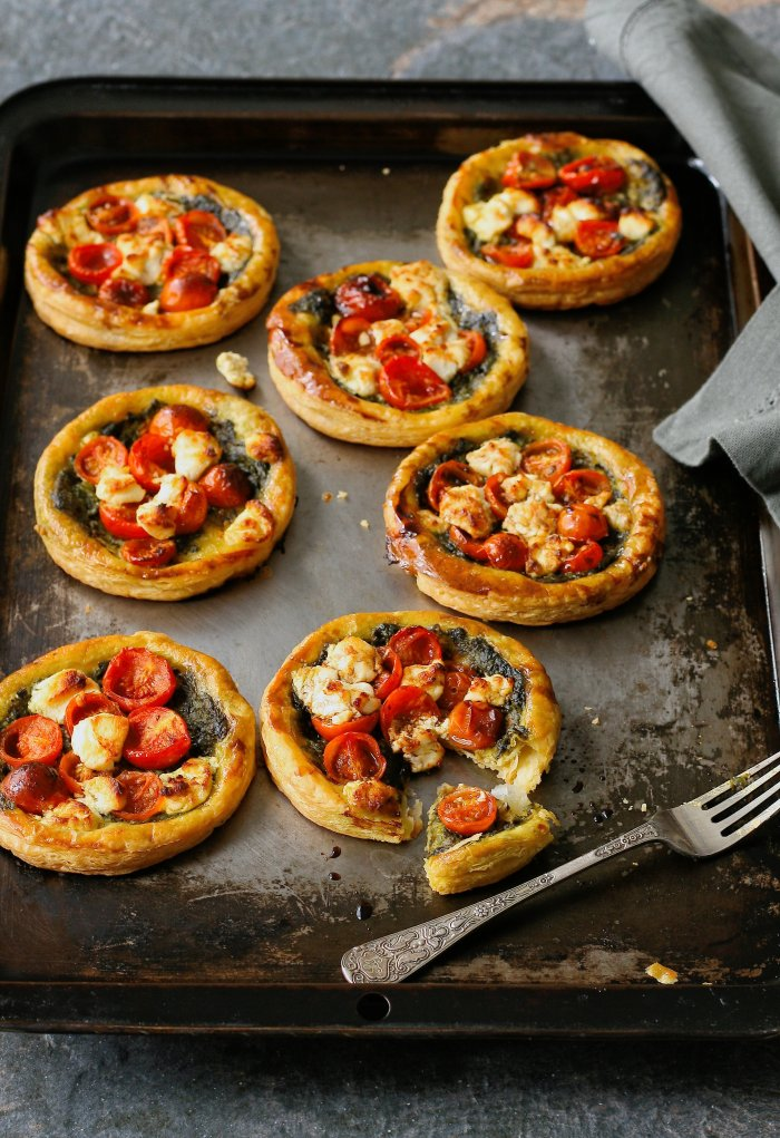 Tomato tarts with chevin