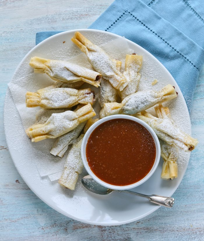 Phyllo Christmas crackers and caramel sauce