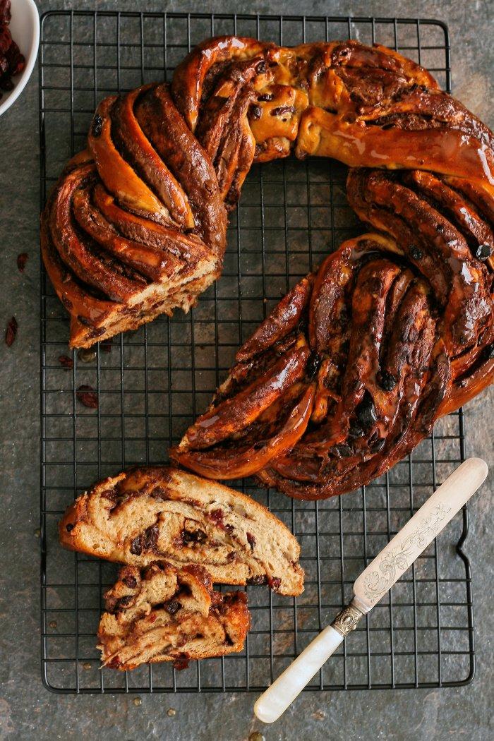 Hot cross bun bread