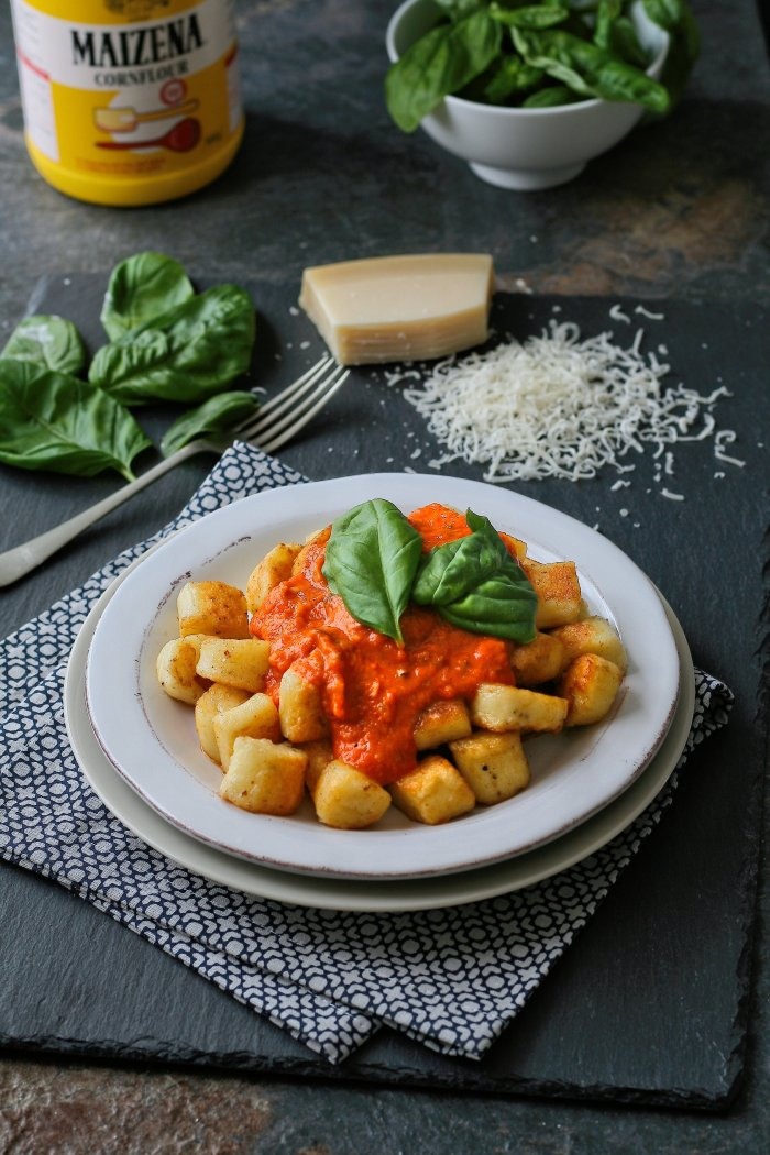 Parmesan gnocchi with cornflour and tomato sauce