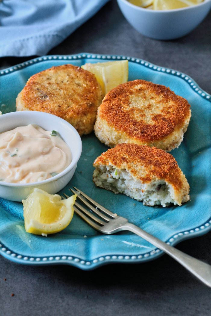 Fish cakes recipe with lime and coconut