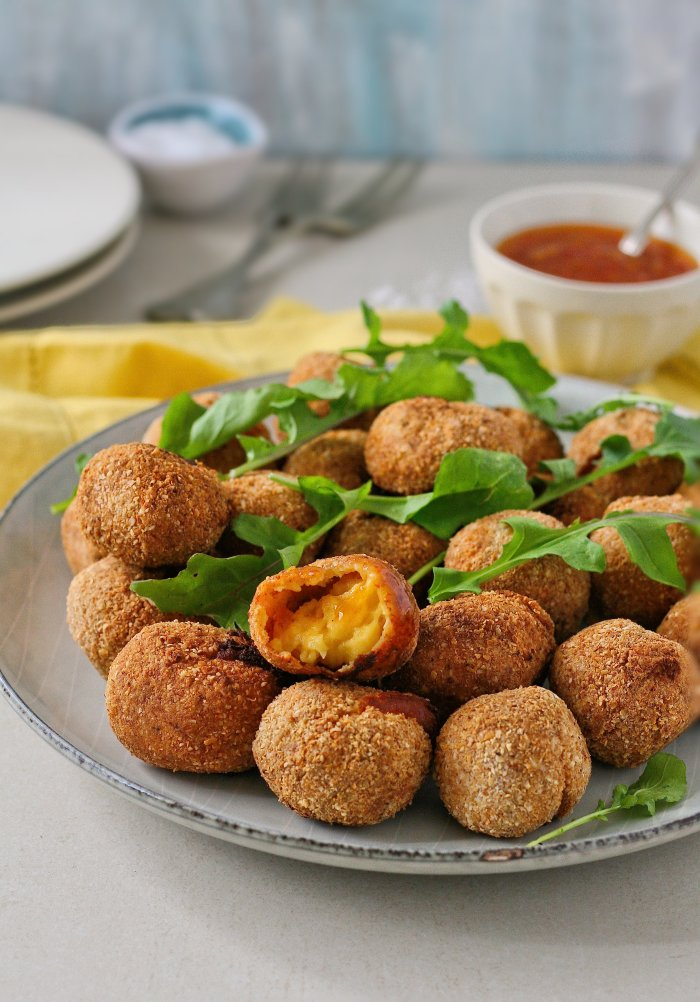 Cheese croquettes with sweet chilli sauce