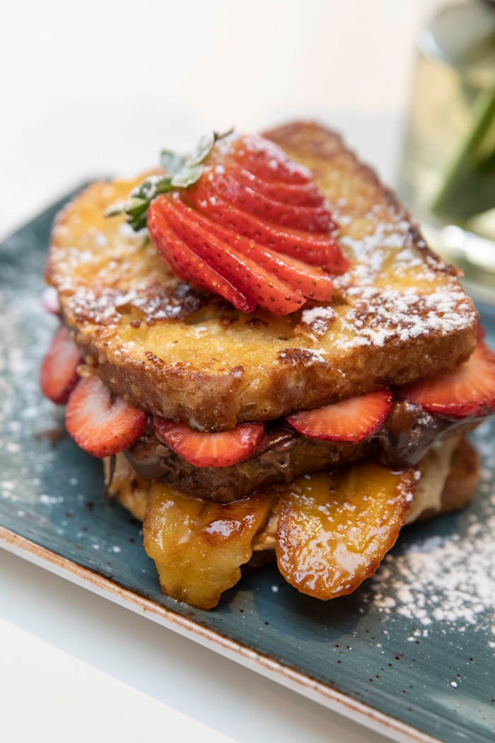 French toast with fruit and Nutella