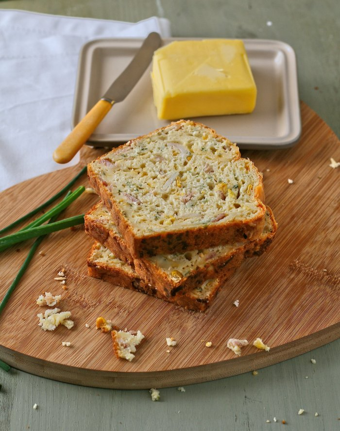 Mielie bread recipe with bacon and cheddar cheese.