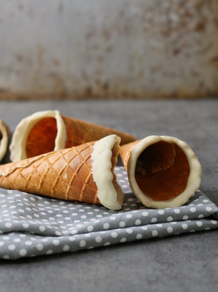 White chocolate sugar cones