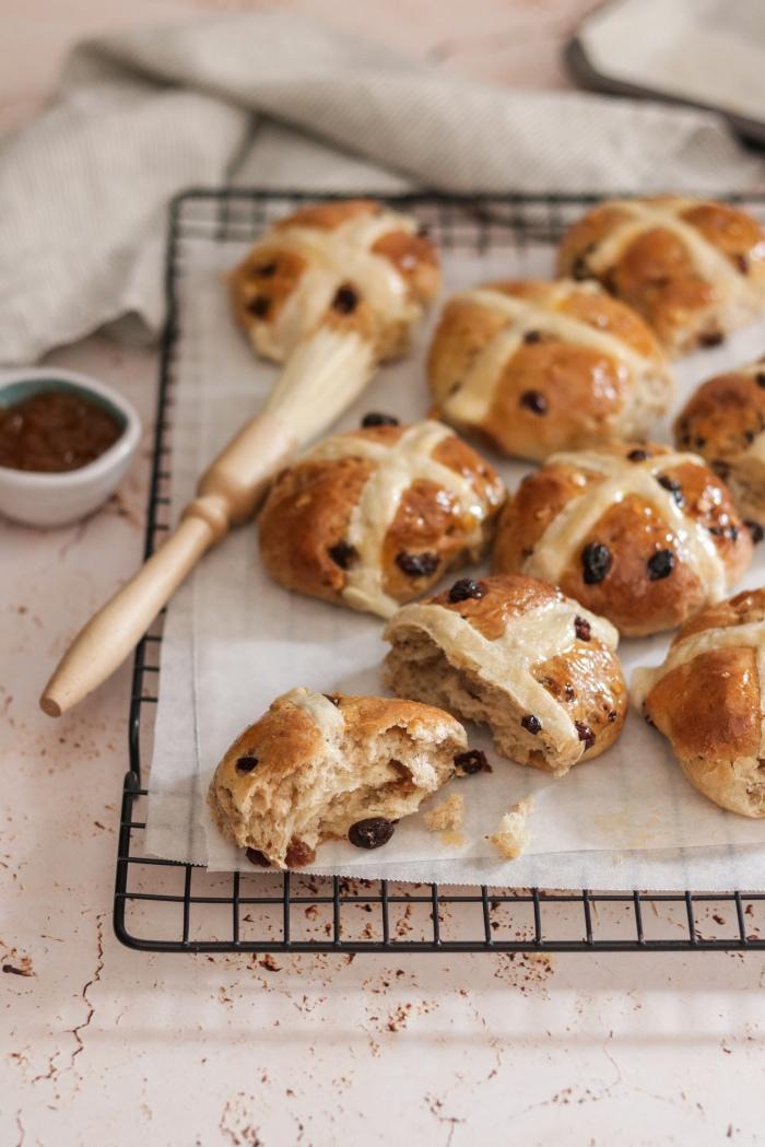 Easter recipe hot cross buns